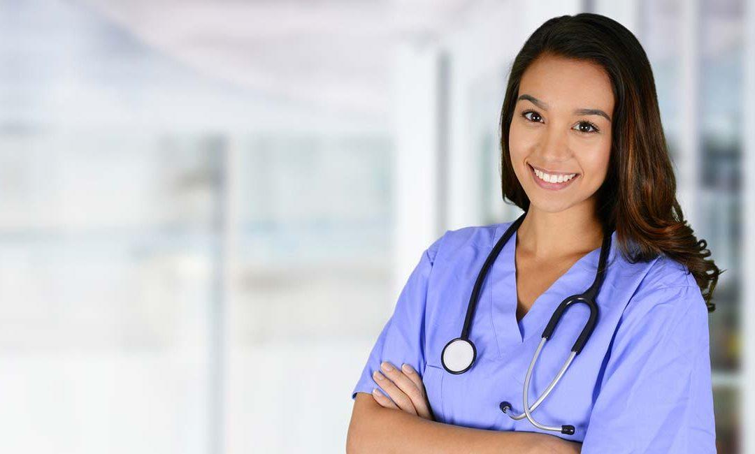 La fecha del examen de auxiliar de Enfermería del SERMAS cambia al 27 de abril