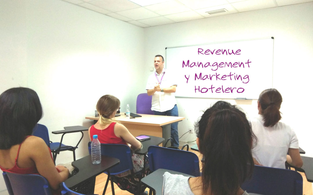 Sesión Informativa del Curso de Revenue Management y Marketing Hotelero